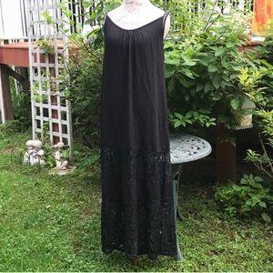 BOHO LACE MAXI BEACH DRESS COVER-UP BLACK / WHITE